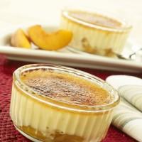 Peach and vanilla crème brûlées
