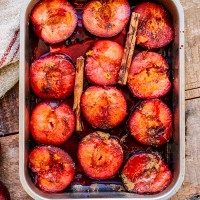 roasted-plum-in-tray